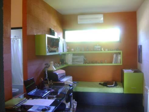 Oficinas de estilo minimalista por Marcelo Manzán Arquitecto