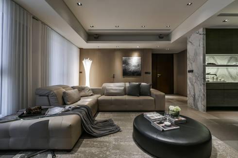 Tranquil 靜謐:  客廳 by CJ INTERIOR 長景國際設計