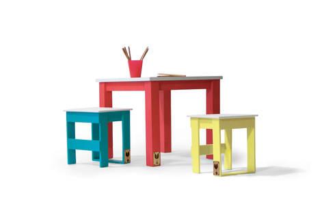Stool and Table - mini mercado Collection: Quarto de crianças  por Varas Verdes