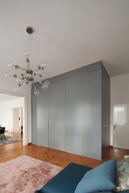 modern Dressing room by destilat Design Studio GmbH