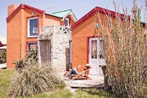 Casa Camet Norte: Casas de estilo rústico por Susana Bellotti Arquitectos