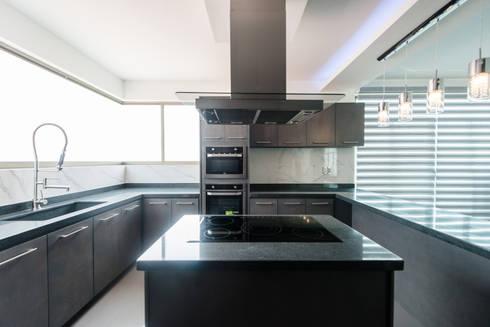 Casa Los Angeles L.H.: Cocina de estilo  por BRAVO ARQUITECTOS INGENIEROS