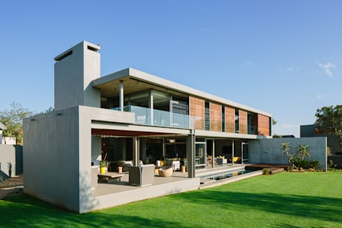 House Serengeti: modern Houses by www.mezzanineinteriors.co.za