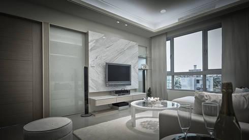 BRAVO INTERIOR DESIGN & DECO    SCAN STYLE:  客廳 by 璞碩室內裝修設計工程有限公司