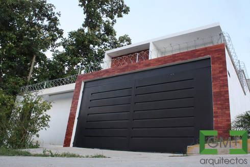 "Casa ""ZR"": Casas de estilo moderno por [GM+] Arquitectos"