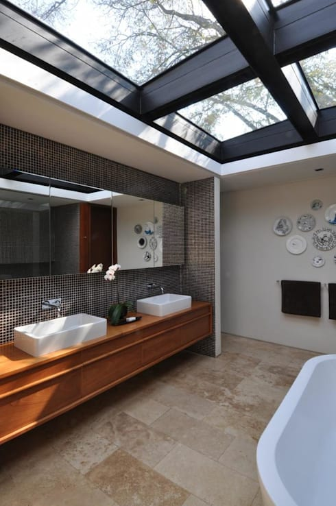 Lee Ann & Marcus' House:  Bathroom by www.mezzanineinteriors.co.za