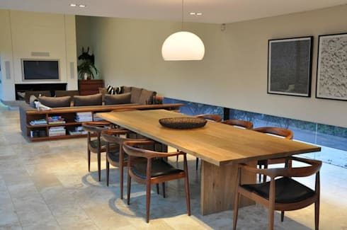 Lee Ann & Marcus' House: modern Dining room by www.mezzanineinteriors.co.za