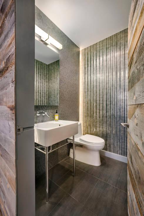 Laight Street Duplex:  Bathroom by Rodriguez Studio Architecture PC