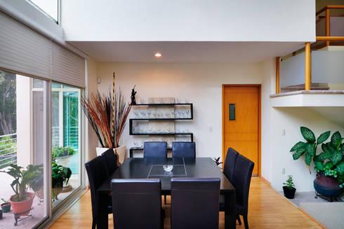 COMEDOR: Comedores de estilo minimalista por Excelencia en Diseño