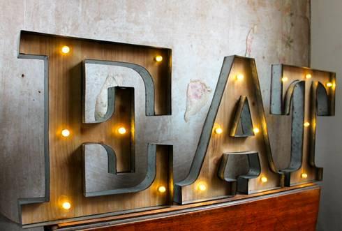 Leuchtbuchstaben leuchtobjekte beleuchtete led buchstaben initialen marquee vintage - Leuchtschrift wand ...