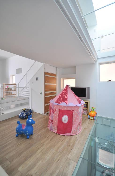 SMZT-HOUSE: 門一級建築士事務所が手掛けた子供部屋です。