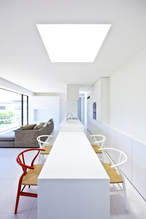 floating house: 株式会社廣田悟建築設計事務所が手掛けたダイニングです。