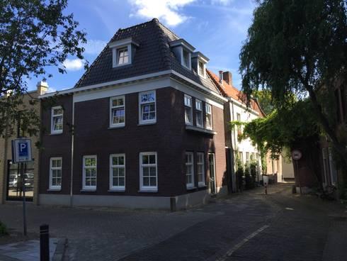 classic Houses by Villa Delphia