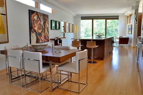 loft - living/ kitchen/ dining: modern Kitchen by E3 Architecture Inc.