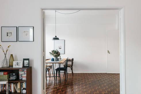 Vista da sala : Sala de jantar  por Arkstudio