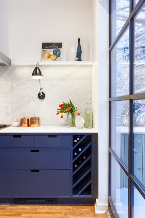 Custom Wine Storage Unit:  Kitchen by STUDIO Z