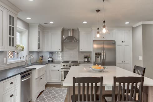 Cherry Creek Town Home : classic Kitchen by Studio Design LLC