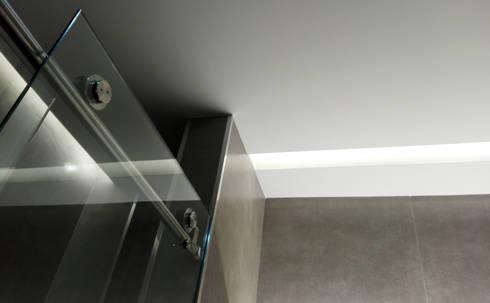 Casa de Banho: Casas de banho modernas por Ivo Sampaio Arquitectura