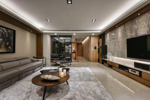 住宅 │ 高雄 德勒斯登 Dresden Lin Residence:  客廳 by 匯羽設計 / Hui-yu Interior design