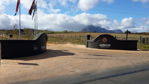 New entrance to Aaldering Vineyard and Wine Estate:   by Lifestyle Architecture