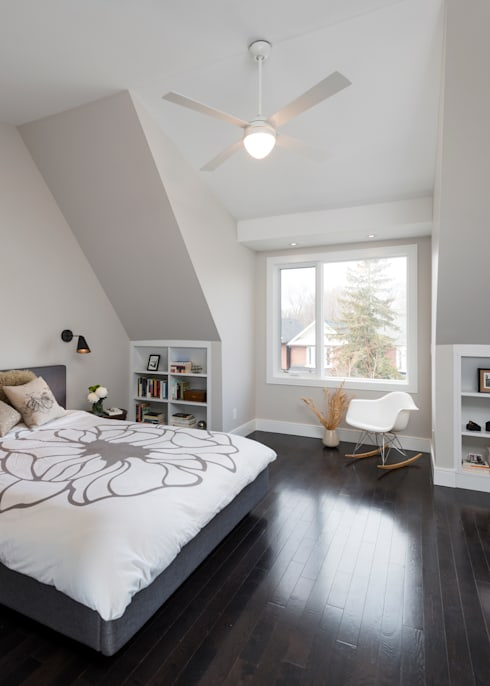 Master Bedroom with Cathedral Ceiling: modern Bedroom by STUDIO Z