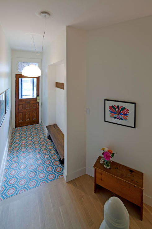 Front Hall Entry with Encaustic cement Tiles:  Corridor & hallway by STUDIO Z