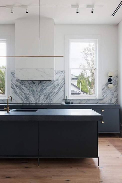 Remodelación Casa: Cocinas de estilo moderno por casas eco constructora