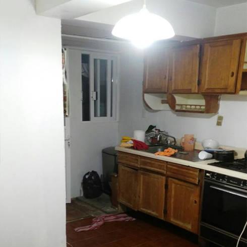 Cocina Lomas Verdes:  de estilo  por casas eco constructora