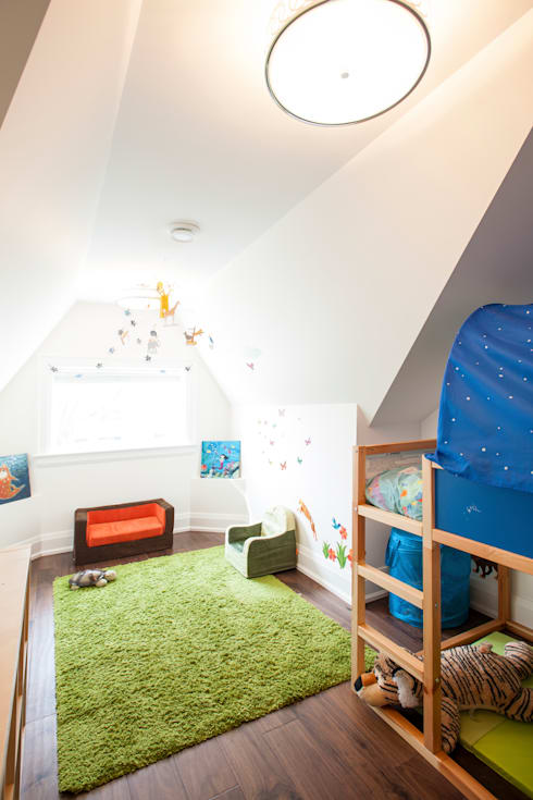 Bickford Park:  Nursery/kid's room by Solares Architecture