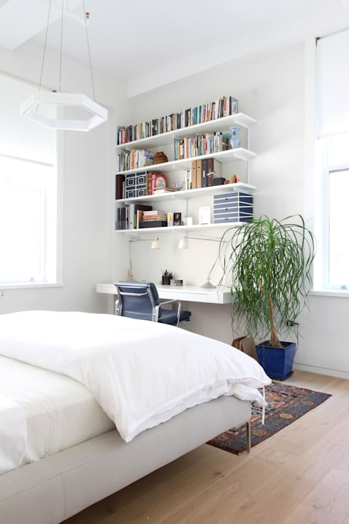 Chelsea Loft:  Bedroom by Maletz Design