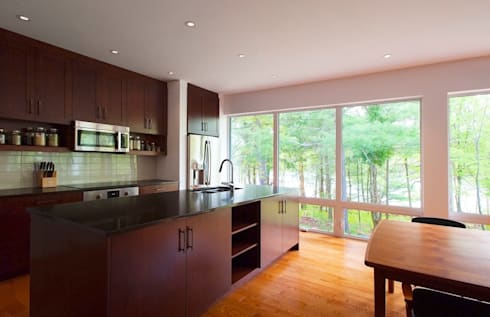 Frontenac House: modern Kitchen by Solares Architecture