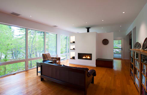 Frontenac House: modern Living room by Solares Architecture