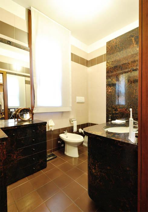 Casas de banho clássicas por Valtorta srl