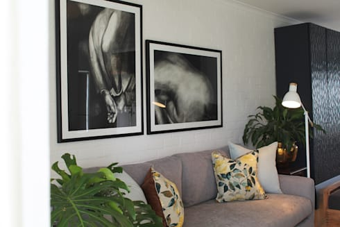 Paarl—Eclectic Country: eclectic Living room by kojabu