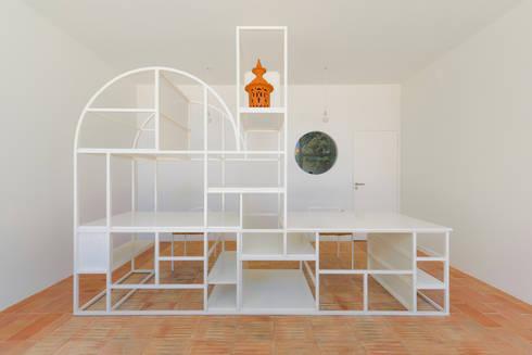 Arquétipos em Estrutura Metálica: Escritório e loja  por Corpo Atelier