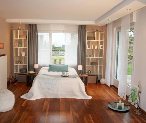 Schlafzimmer nachher:   von  immoptimum HOME STAGING GbR