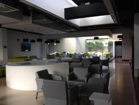Sala de Espera VIP: Estudios y oficinas de estilo moderno por LNM Arquitectura & Diseño Interior