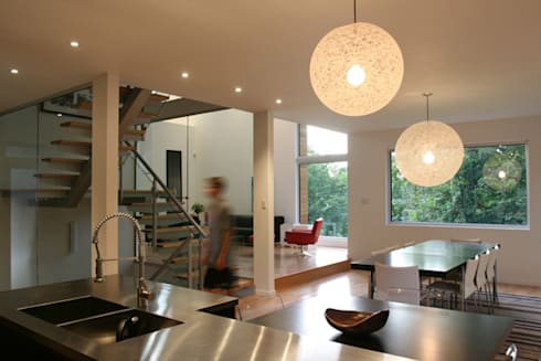 Lighthouse: modern Kitchen by Linebox Studio