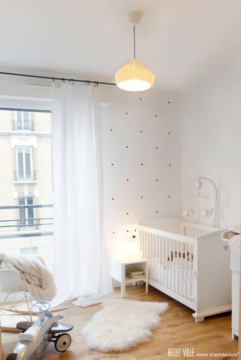 Belle Ville Atelier d'Architecture: iskandinav tarz tarz Yatak Odası