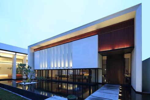 入口立面:  展覽中心 by Arcadian Design 冶鑄設計
