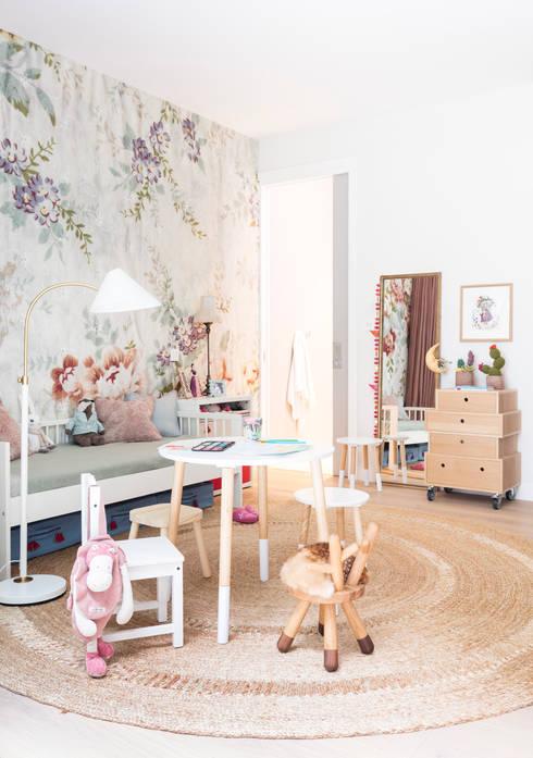 Bedroom تنفيذ Black and Milk | Interior Design | London