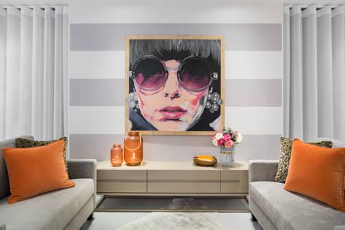 Sala de Estar: Salas de estar modernas por ÀS DUAS POR TRÊS