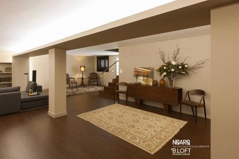 Espaço de apoio às refeições: Salas de estar clássicas por B.loft