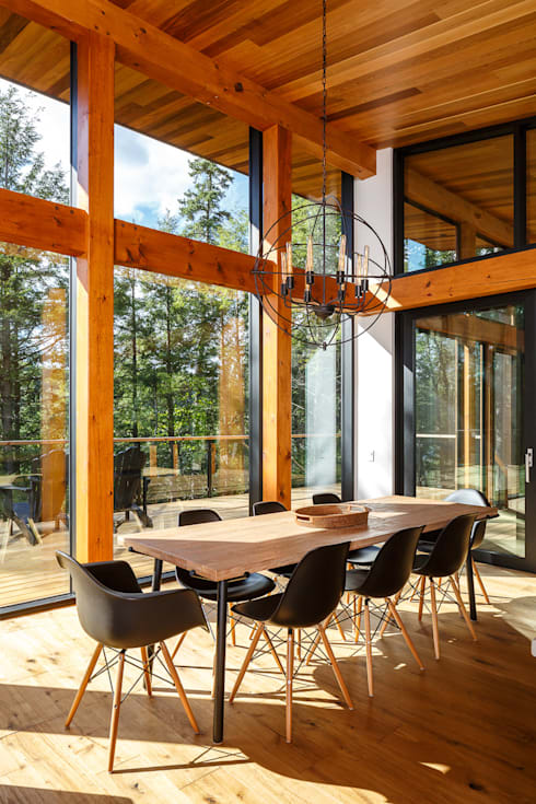 Lac St. Sixte Summer Residence: modern Dining room by Flynn Architect