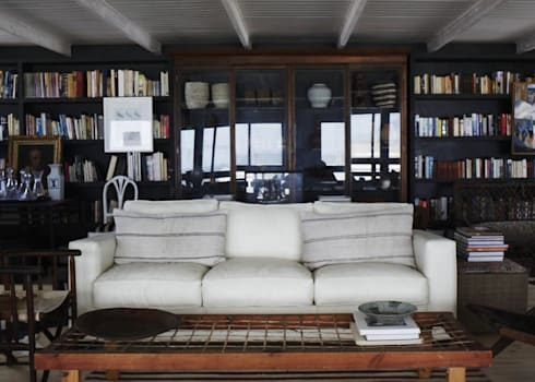 Personal Space: rustic Living room by David Strauss Interiors