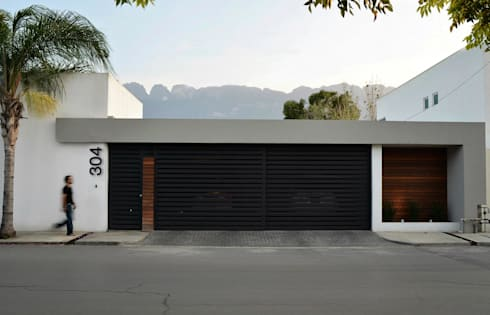 RESIDENCIA SAVOTINO: Casas de estilo moderno por TREVINO.CHABRAND | Architectural Studio