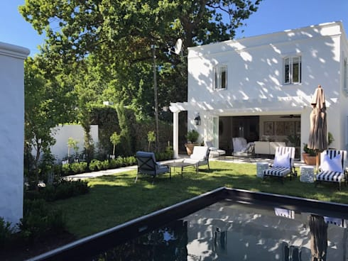 Newlands Heritage home exterior: classic Houses by Holloway and Hound architecture and interiors