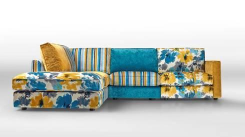 Sofás de canto Corner sofas www.intense-mobiliario.com  NOTSUOH http://intense-mobiliario.com/pt/sofas-de-canto/11973-sofa-de-canto-notsuoh-4041.html: Sala de estar  por Intense mobiliário e interiores;