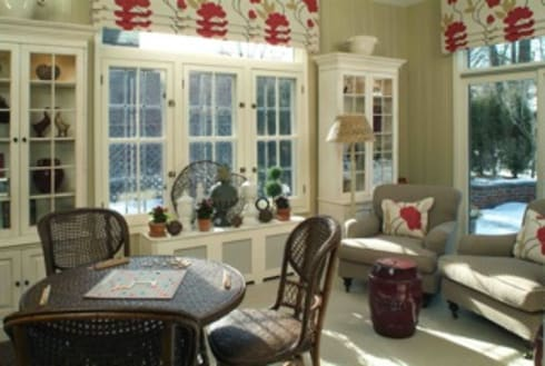 Poppy Sunroom:   by Kay rasoletti Interior Design