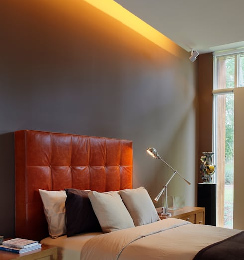 Leicester House:  Bedroom by SPG Architects
